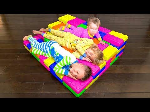 Vania & Mania BUILD BEDS with GIANT LEGO Toys   Rain Rain Go Away Song