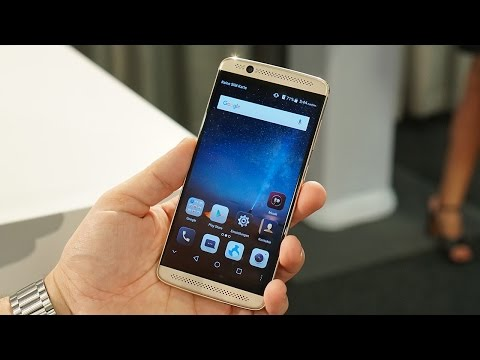 ZTE Axon 7 mini Hands-on: It's Not a Size Difference, Really