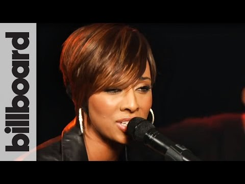 Keri - SUBSCRIBE FOR MORE EXCLUSIVE INTERVIEWS AND PERFORMANCES FROM YOUR FAVORITE ARTISTS! Keri Hilson performs an acoustic version of her Grammy nominated single ...