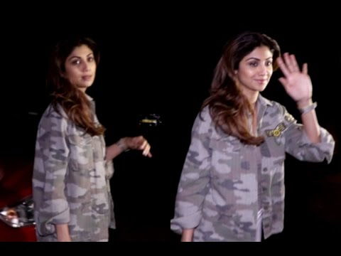 Shilpa Shetty Spotted At Juhu PVR
