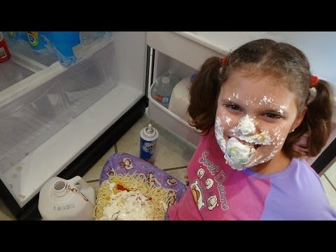 Bad Baby Victoria Makes Mess Spatula Girl vs Spider Attack