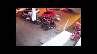 Video Video; perkelahian berujung maut di pelataran parkir inul vista MP3, 3GP, MP4, WEBM, AVI, FLV Mei 2017