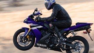 9. 2006 Yamaha YZF-R1 - Superbike Smackdown - MotoUSA
