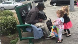 Kids Volunteer to Help the Homeless