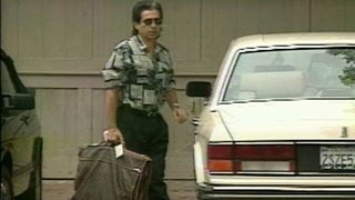 Video Kim Kardashian Admits She Looked Inside O.J. Simpson's Infamous Garment Bag MP3, 3GP, MP4, WEBM, AVI, FLV Maret 2018