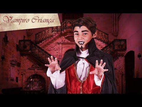 Maquilhagem de vampiro de Halloween para criança