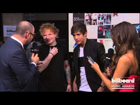 sheeran - Ed Sheeran Backstage at the Billboard Music Awards 2013.