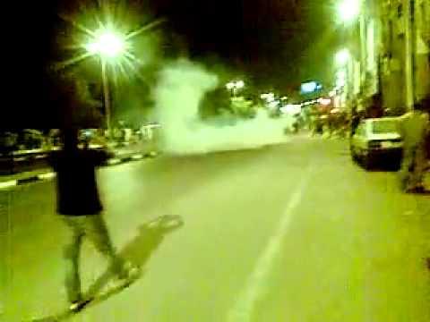 بالفيديو..أهالى النوبة يقطعون طريق الكورنيش إثر مقتل مراكبى ..واشتباكات مع الشرطة