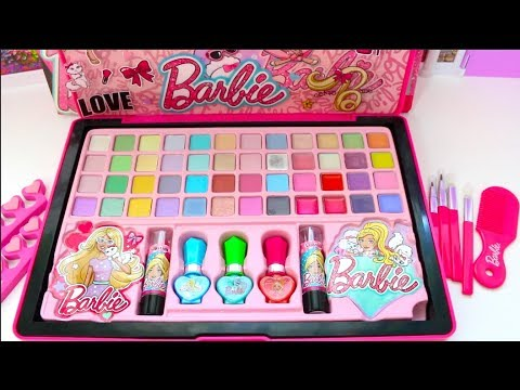 Barbie New Year Deluxe Makeup Cosmetic Set💄Glitter Lip Gloss Unique Boutique