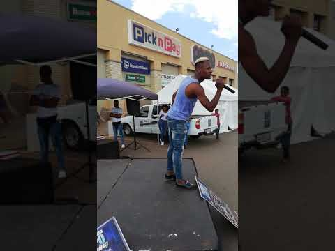 Limpopo Boy Bujwa Showing Off His Some Few New Moves @mall Lebo