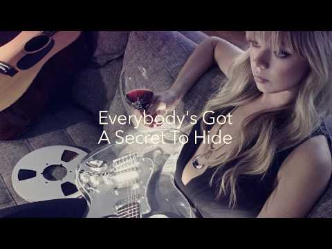"CHROMATICS ""KILL FOR LOVE"" (Lyric Video)"
