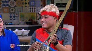 Video Roger Petenis Handal, Tapi Raketnya Jadi Gitar MP3, 3GP, MP4, WEBM, AVI, FLV Januari 2019