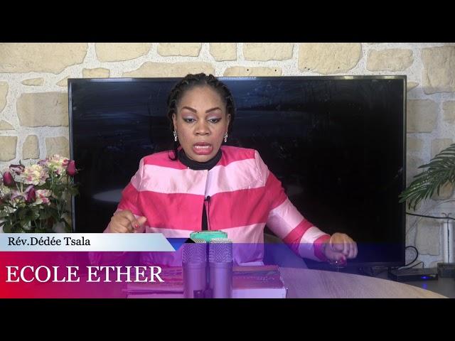 ECOLE D'ESTHER :FEMME DE LEADER DE PASTEUR,TU AS LE DROIT DE VIVRE.