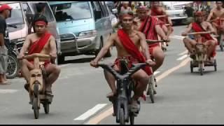 Video Lihat!! Suku Pedalaman Masuk Kota Pakai Kendaraan ini,, Orang² Langsung Heboh Berdatangan... MP3, 3GP, MP4, WEBM, AVI, FLV Oktober 2017