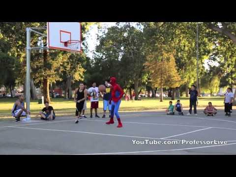 蜘蛛人平常不拯救地球, 都跑去球場亂挑人機!