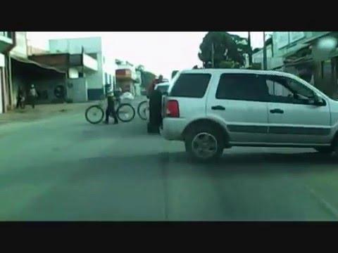 quase colisão golf x fordeco - Capão Bonito