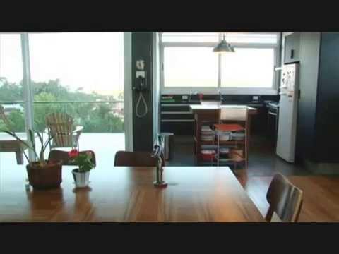 Apartamento triplex na Beira Mar de Florianópolis. Projeto das arquitetas Crislane Cintra e Ana Paula Jeffi.