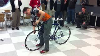 Bardzo szybka zmiana dętki! Dla wielbicieli rowerów lekcja obowiązkowa!
