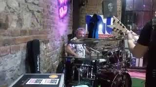 Video Eredar a jeho splašený bubeník