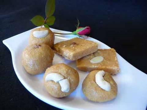 Besan ki Burfi (Magas) - Festival Sweets Indian Recipe