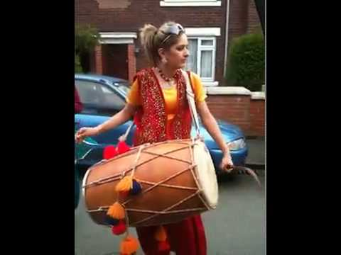 Punjabi Girl Great Dhol Performance