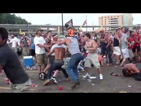 complete mayhem at a kenny chesney show in pittsbugh! here's proof...