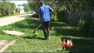 Скашивание травы электрокосой (триммером) Энкор-400/30