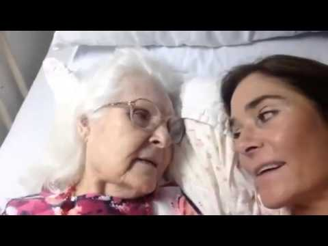 #HeartMelting: Alzheimer's patient recognizes her daughter and says 'I love you'