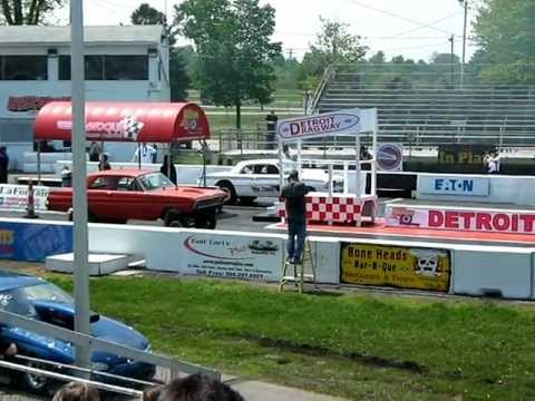 Ford Falcon vs. Pontiac Tempest