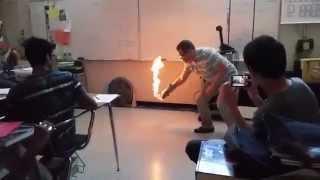 Nietypowe doświadczenie na lekcji chemii w jednej z amerykańskich szkół