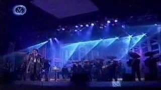 video y letra de La Diferencia por Juan Gabriel