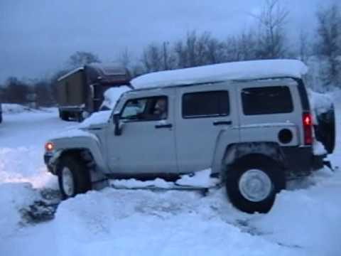 h3 - SNOW no problem for HUMMER.