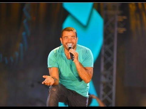 """دياب يغني لعمرو دياب في احتفال """"الحكاية"""" برأس السنة..هكذا علق عمرو أديب"""