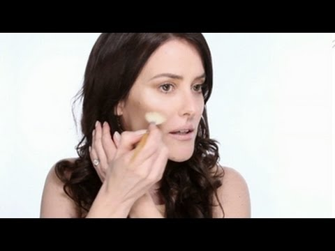 Lisa Eldridge - MakeUp Basics: Powder Contouring Tutorial