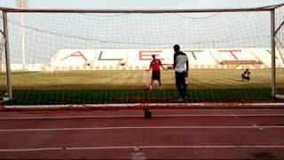 Educativos de entrada com quedas: Treinamento básico mais muito funcional.doutrinando o atleta a não praticar passos largos,fechando os cotovelos e atacando a bola com a perna correta.