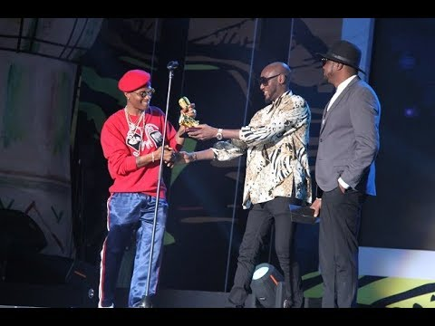 Wizkid (Nigeria) Win AFRIMA 2017 Song Of The Year And Artiste Of The Year