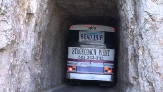Video Bus fährt durch den Tunnel am Needles Highway. MP3, 3GP, MP4, WEBM, AVI, FLV September 2018