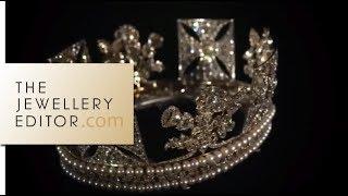 Video Buckingham Palace exclusive: the Queens jewellery show MP3, 3GP, MP4, WEBM, AVI, FLV Januari 2018