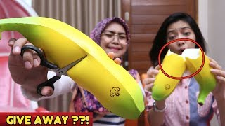Video SQUISHY DARES! GUNTING KING BANANA... OMG!!!! sayang banget.... MP3, 3GP, MP4, WEBM, AVI, FLV Desember 2017