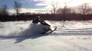 9. Skidoo Renegade backcountry X 2011 800 R Etec