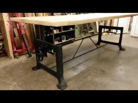 Retro vintage tafel uitschuifbaar en in hoogte verstelbaar