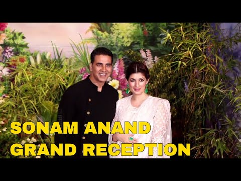 Akshay Kumar Arrives With Twinkle Khanna At Sonam