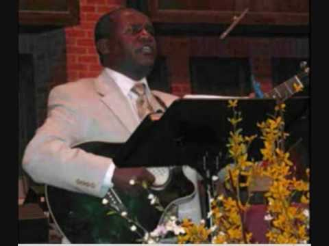 amharic spiritual song - Tesfaye Gabiso praising God, by saying
