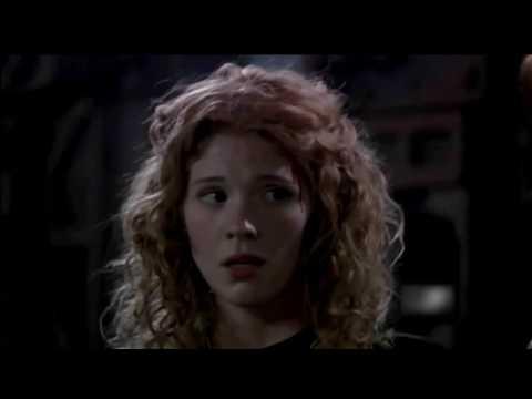 Stargate Atlantis - Atlantis Hit By A  Tsunami (Episode 10)