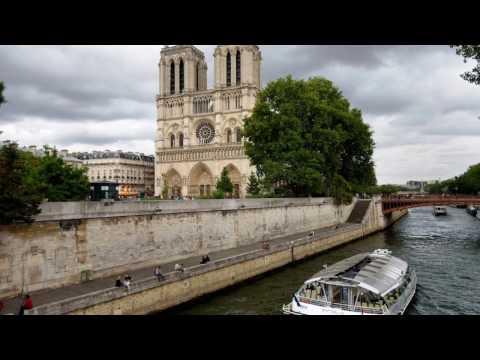 Reencontros em Paris -A romântica continuação de Um Fantasma em Minha Vida. - CSP. Ribeiro