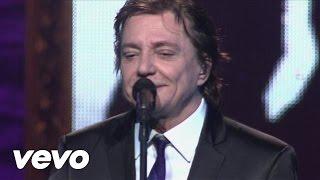 Music video by Fábio Jr. performing Senta Aqui (Sientate). (C) 2012 Sony Music Entertainment Brasil ltda.