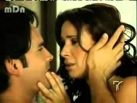 Hilda y Albeiro ..escena de pasion.. Sin Senos no hay paraiso