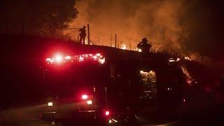 Giới hữu trách hôm Thứ Ba ra lệnh cho dân chúng tại một thị trấn nhỏ nằm cạnh khu lâm viên Yosemite phải di tản và đóng cửa một xa lộ, trong khi các toán lính cứu hỏa đang cố gắng ngăn chặn không cho đám cháy rừng nơi đây lây lan.Người Việt TV (c) 2017 - http://NGUOIVIETTV.comNgười Việt Online - http://NGUOI-VIET.com
