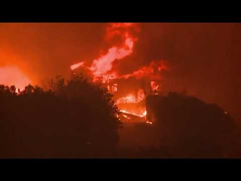 RAW: Camp Fire erupts in Butte County, California, forcing thousands to flee
