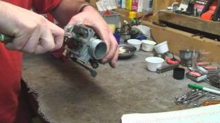 9. 2001 XR 400 Carburetor Cleaning